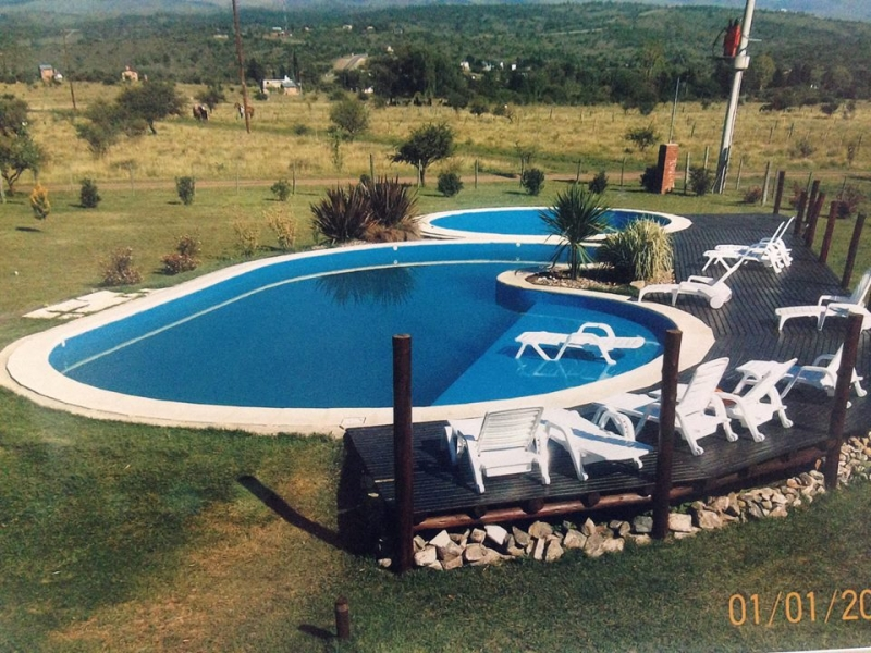 Piscinas favoretto construccion piscinas guia comercial for Empresas construccion piscinas